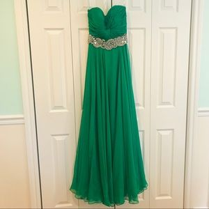 Emerald Green Jovani gown/prom dress
